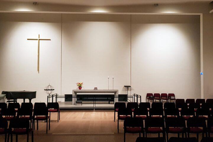 Løsning kirke med alter belysning
